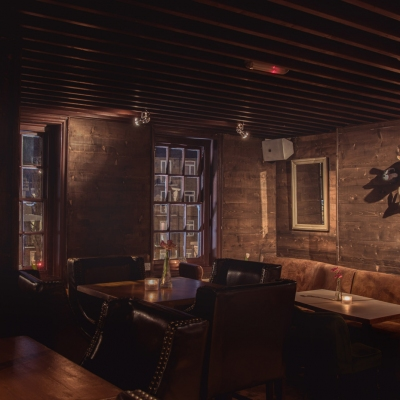 Clapham-North-Pub-Treehouse-private-parties-seating